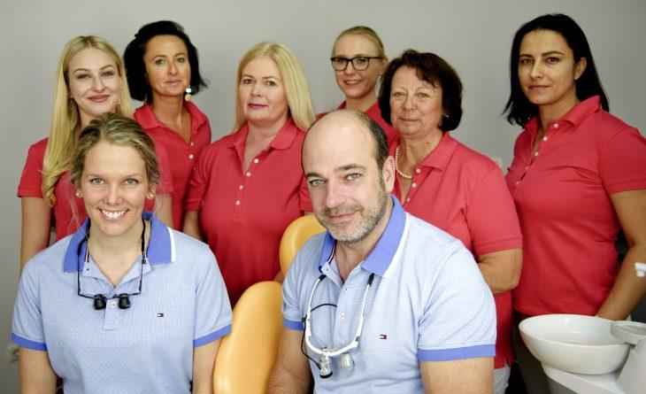 Die Zahnärzte und das Team der DentalOase